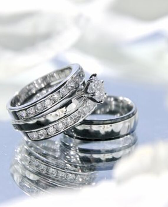 wedding-rings-2364418__340